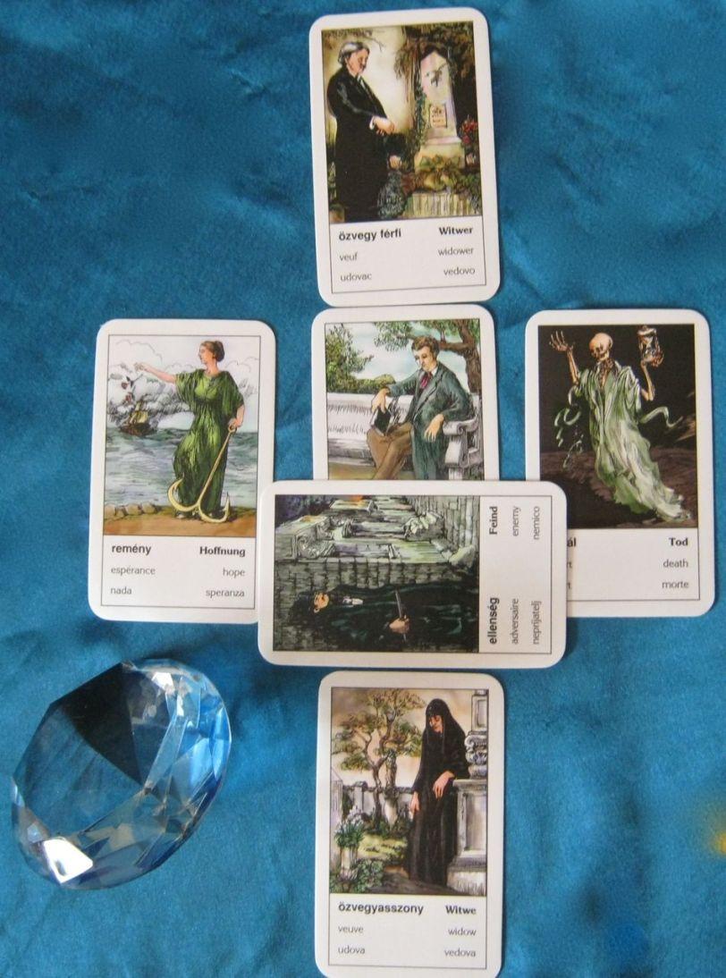 MIni celtic cross featuring cigány kártya