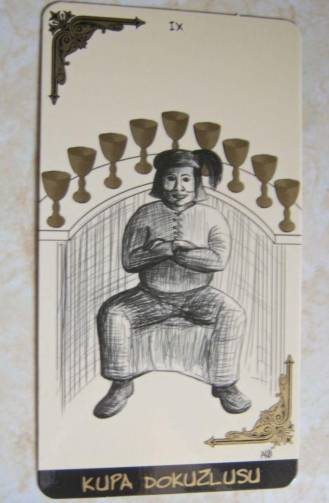 Kupa dokuzllusu =  9 of cups
