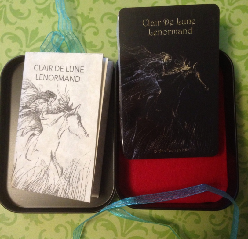 clair-de-lune-lenormand-look-whats-in-the-tin-box-4